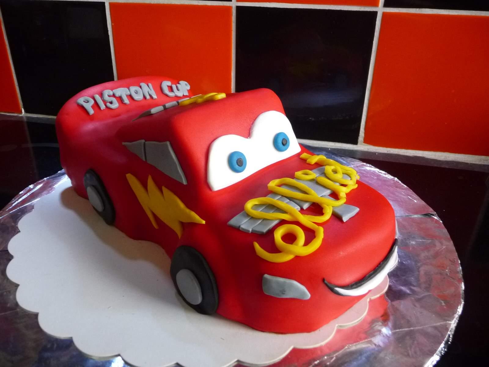 gâteau modelé cars